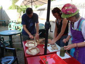 Préparation des tartines à la pâte d
